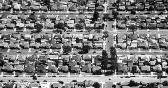 Aerial view of Gramercy Park neighborhood, Los Angeles