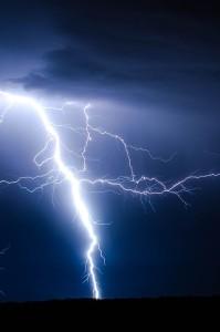 f9dec77377605da2_640_lightning