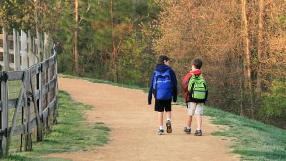 walking_to_school.jpg.662x0_q70_crop-scale