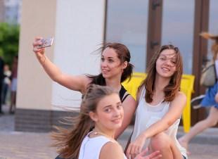 girls friends portrait photo