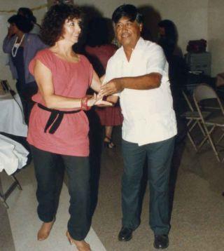 Linda and César dancing