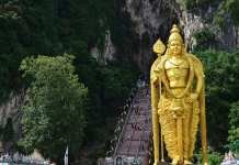 batu caves malaysia sandi iswahyudi