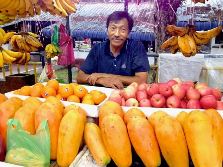 الفواكه والخضروات الطازجة دائما متوافرة وبأسعار رخيصة في ماليزيا