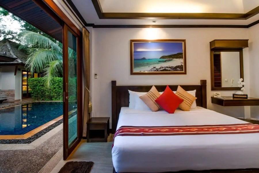 Pai Tan room pool