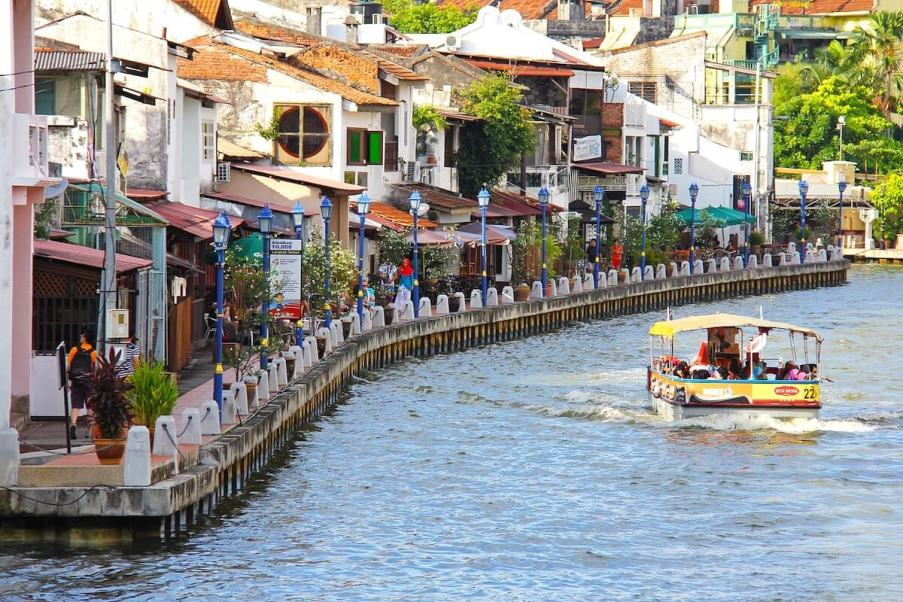 Riverboat in Melaka-reasons to visit Malaysia