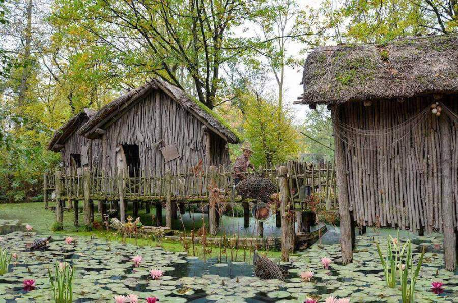 fisherman homes with lily pads