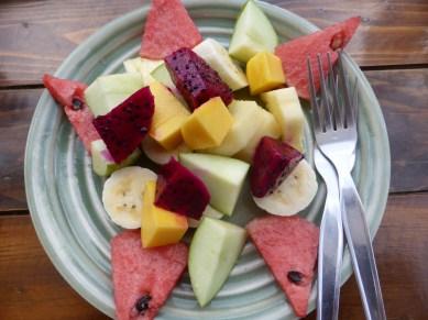 Le luxe de pouvoir goûter des fruits exotiques fraîchement coupés chaque jour