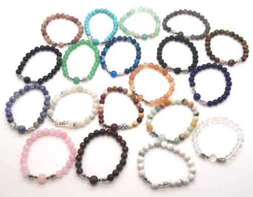 REF504 – BRACELET PIERRE – perles 8mm avec 1 perle 10mm –