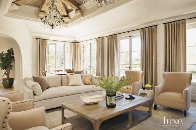 contemporary living room design styles traduzione ita a laguna beach home with european inspired decor features insight from the editors of luxe interiors