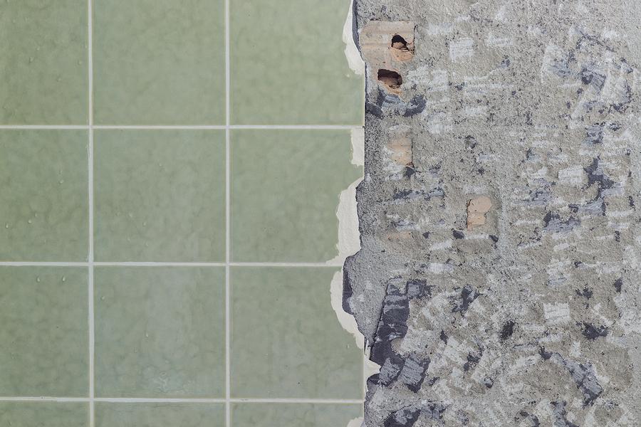 removing kitchen tile backsplash
