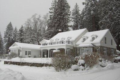 Rowenas-winter-exterior-001