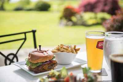 clubhouse-burger-fries-beer