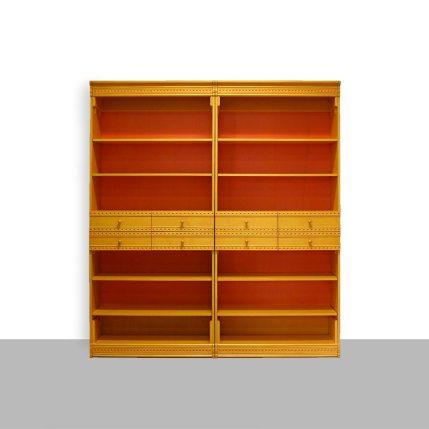 Boekenkasten, geel