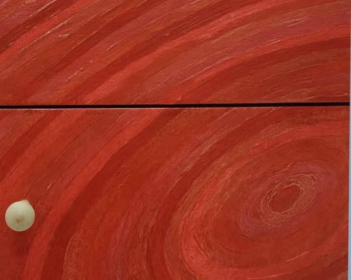 Rode kast met cirkels