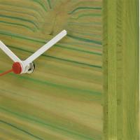 Groen klokje met strepen