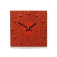 Rode klok met rode cijfers