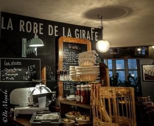 #murardoise #ardoise #lampeaccordeon #larobedelagirafe #restaurant #baravin #caveavin #decoretro
