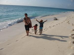 My lovely family on a lovely beach©2007SHBenoiton