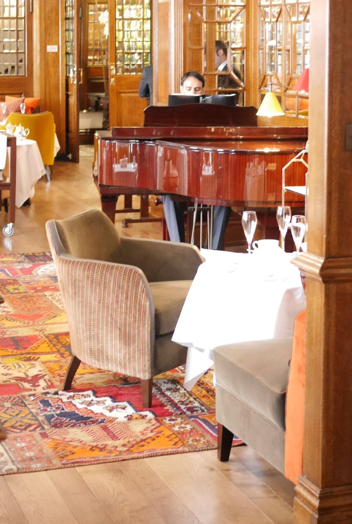 live_piano_afternoontea_browns