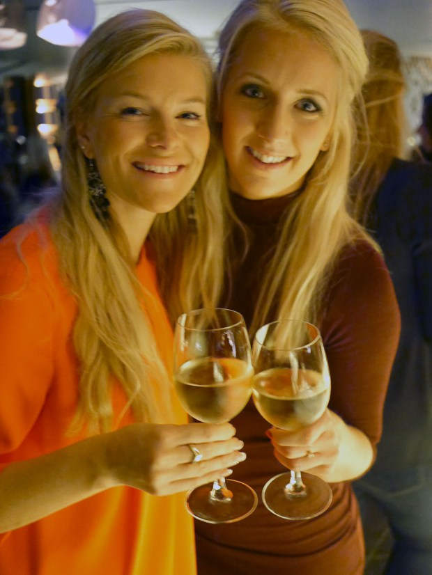 swedish_girls_yeeels_nightclub
