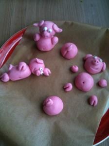Schweine im Schlamm Torte  wwwsandrasbackfabrikde
