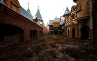 Chinas-Abandoned-Wonderland-9