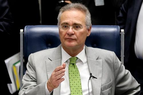 O presidente do Senado, Renan Calheiros (PMDB-AL), durante sessão de votação na Casa