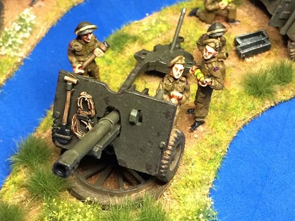 25 pdr gun, limber & crew