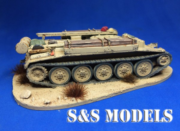 1/72 Armourfast Crusader x2 and 1 x ARV conversion kit offer