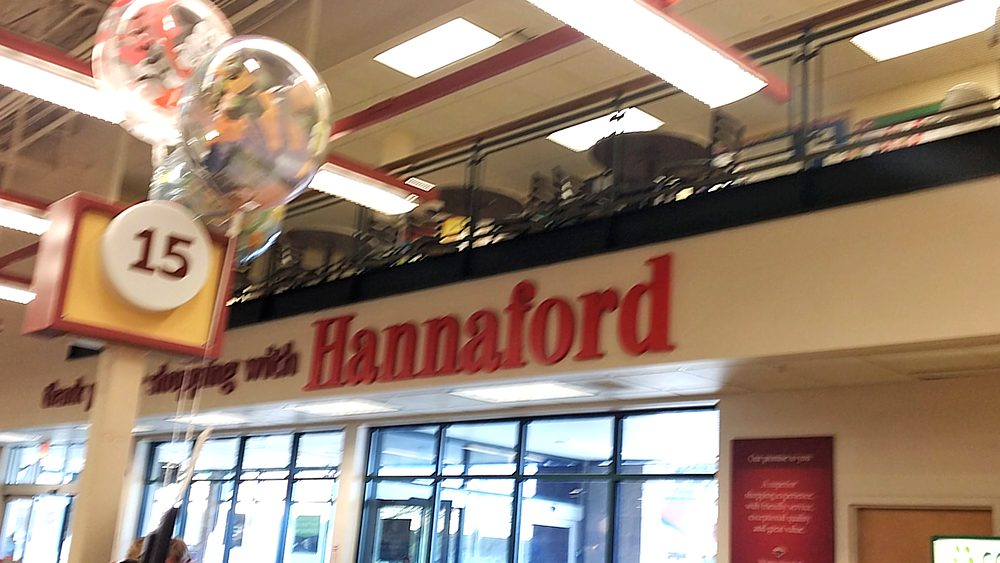 Hannaford Store Entrance