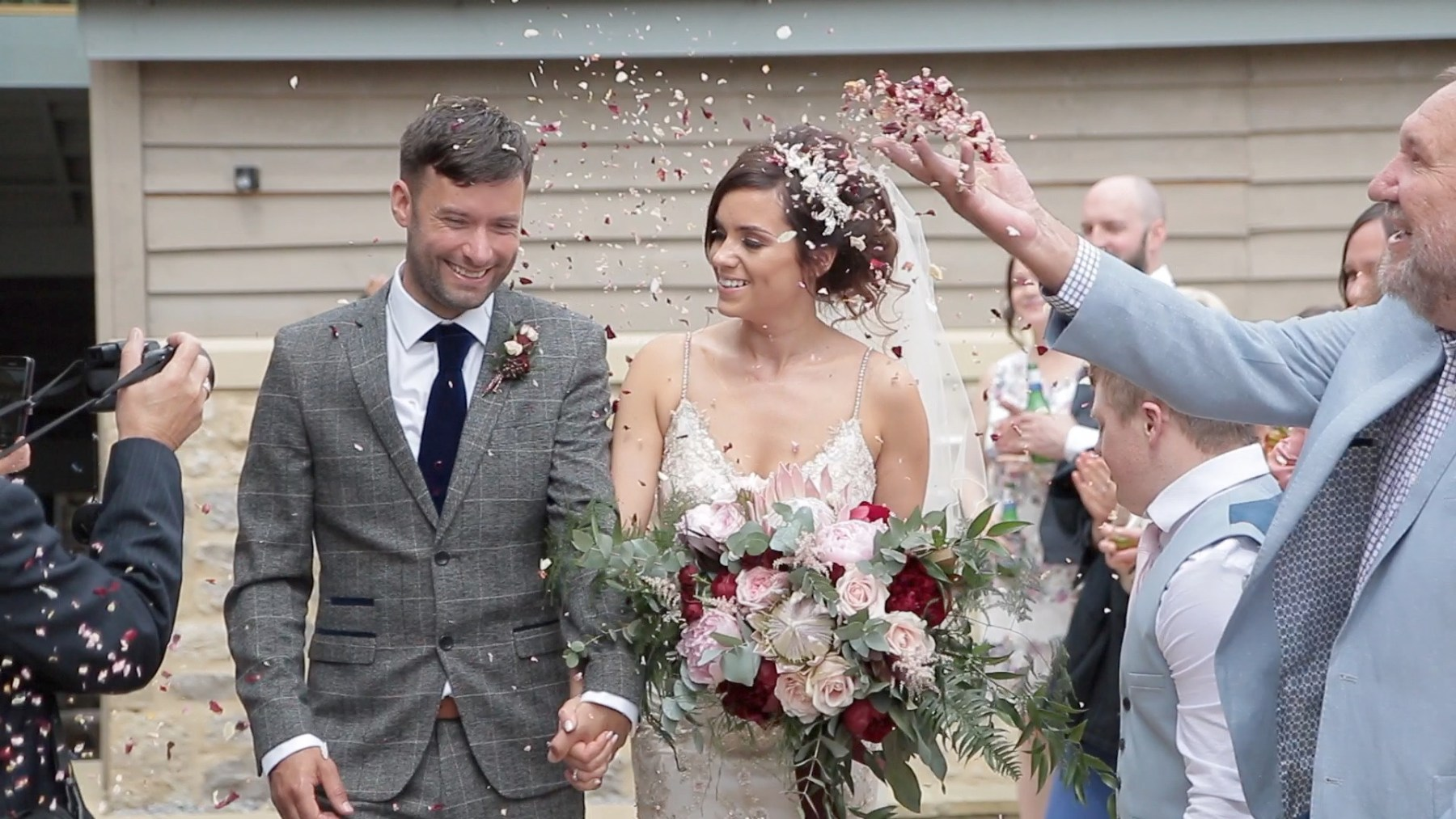 Gamekeeper's Inn Wedding Video - Confetti