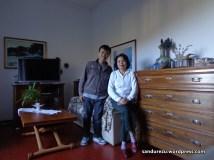 Foto terakhir di rumah bu nini sebelum pulang ke Indonesia