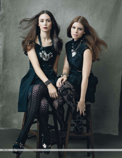 rooney_mara_looking_hot_with_her_sister_kate_mara_lnkiG1h.sized