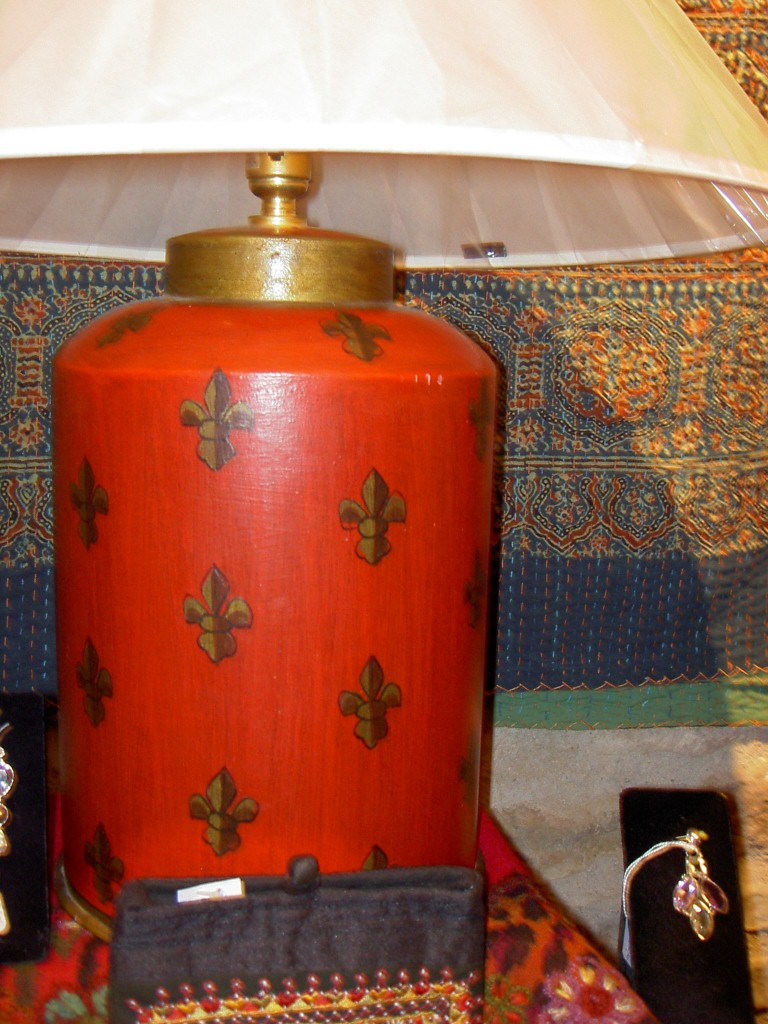 Red painted tin lamp base