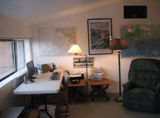 Computer table w/ front windows + 50 mi coast, ocean , & Golden Gate Bridge vu's