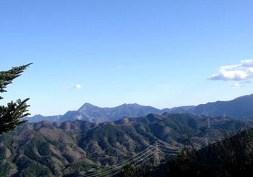 明日登る武甲山から小持山の稜線。。。.