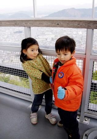 岐阜城の天守閣の上です。