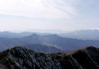 ⑬頂からの360度の展望は素晴らしい。