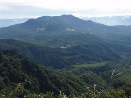 14‐稜線より飯縄(飯綱)山の眺望