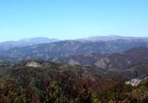 左が恵那山。右が大川入山。