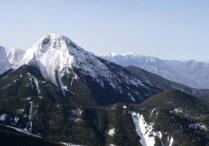 赤岩の頭から見た阿弥陀岳と南アルプス