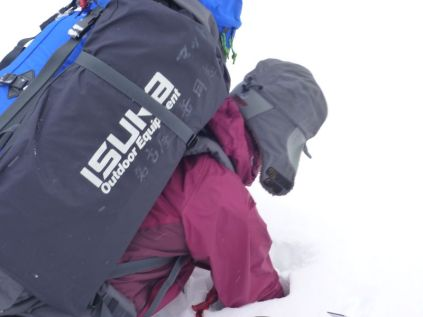 17 ラッセルクィーンになる前のみさっち。テンバ目前で手が雪にはまるの巻