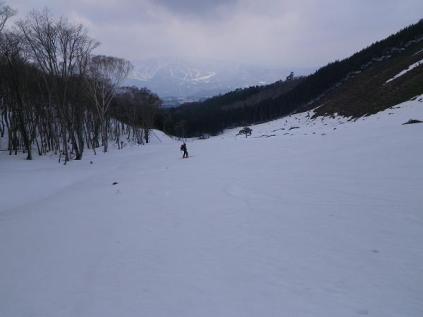 09.こんな山の中に雪原が広かる