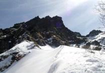05.石尊稜ピークでは赤岳が迎えてくれた