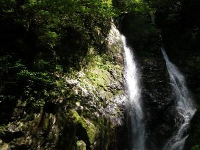25.夫婦滝と祠