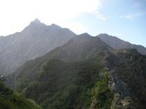 西鎌の稜線