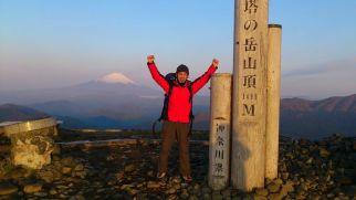 早朝、日の出を待って再度、登頂w