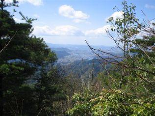 ⑨米田白山を遠望