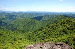 岳美岩からの大展望。恵那山が見えた。
