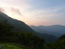 お亀避難小屋からの朝日